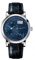Мужские классические часы Lange Sohne Lange1 191 028 в корпусе из белого золота, большая дата, запас хода, синий циферблат, кожа кроко.