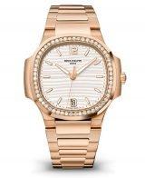 Женские спортивные часы Patek Philippe Nautilus 7118-1200R-001 в розовом золоте с бриллиантами, серебристый циферблат, золотой браслет.
