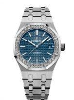Женские спортивные часы Audemars Piguet Royal Oak 15451ST_ZZ_1256ST_03 в стальном корпусе с бриллиантовым рантом, синий циферблат, на стальном браслете.