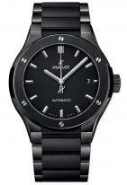 Мужские спортивные часы Hublot Classic Fusion 510_CM_1170_CM с датой в керамическом корпусе, на матовом черном циферблате с зернистой отделкой граненные часовые метки и стрелки, керамический браслет.
