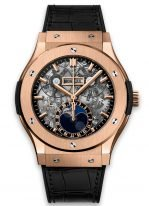 Мужские наручные часы Hublot Classic Fusion-517.OX.0180.LR с фазами Луны, годовым календарем в розовом золоте, на скелетированном циферблате часовые меткис золотым покрытием и сатинированные стрелки, черная кожа кроко.