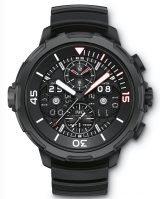 Мужские наручные часы IWC Aquatimer-IW379403 с вечным календарем и хронографом, на черном циферблате с жемчужным зернением часовые метки и широкие стрелки, покрытые люминесцентным составом, черный каучуковый ремешок.