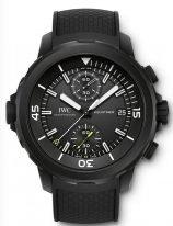 Мужские спортивные часы IWC Aquatimer IW379502 хронограф с датой в стальном корпусе, на черном циферблате счетчики хронографа, часовые метки, покрытые люминесцентным составом, черный каучуковый ремешок