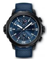 Мужские спортивные часы IWC Aquatimer IW379507 с хронографом в стальном корпусе, на синем циферблате счетчики хронографа, часовые метки и широкие стрелки, покрытые люминесцентным составом, синий каучук.