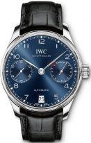 Мужские наручные часы IWC Portugieser IW500710 с запасом хода и датой в стальном корпусе, на синем циферблате арабские цифры с родиевым покрытием, метки и тонкие стрелки, черная кожа кроко.