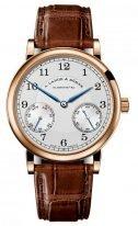 Мужские классические часы Lange Sohne 1815 234 032 в розовом золоте с запасом хода, светлый циферблат, кожа кроко.