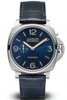 Мужские классические часы Panerai Luminor Due PAM00729 в стальном корпусе, темный синий циферблат с люминесцентными цифрами, метками и стрелками, синий ремешок кроко.