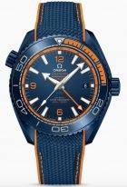 Мужские наручные часы Omega Seamaster-215_92_46_22_03_001 со временем второго часового пояса и датой в керамическом корпусе, на синем керамическом циферблате оранжевые арабские цифры и люминесцентные метки и стрелки, синий каучук.