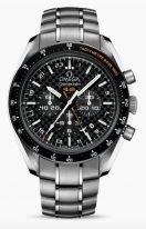 Мужские наручные часы Omega Speedmaster- 321_90_44_52_01_001 хронограф со временем второго часового пояса в титановом корпусе, на черном циферблате счетчики хронографа, люминесцентные часовые метки и стрелки, титановый браслет.
