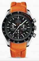 Мужские наручные часы Omega Speedmaster- 321_92_44_52_01_003 с хронографом и временем второго часового пояса в титановом корпусе, на черном циферблате счетчики хронографа, люминесцентные часовые метки и стрелки, оранжевый каучук.