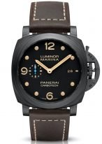 Мужские спортивные часы Panerai Luminor PAM00661 в карбоновом корпусе, на черном циферблате люминесцентные арабские цифры, метки и стрелки, бежевая телячья кожа.