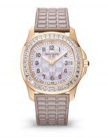 Женские спортивные часы Patek Philippe Aquanaut 5072R-001 в розовом золоте с бриллиантовым рантом, перламутровый циферблат, каучук бежевый.