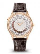 Женские классические часы Patek Philippe Complications 7130R-013 в розовом золоте с бриллиантовым рантом, функция мировое время, светлый циферблат, коричневый кроко.