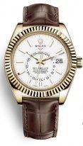 Мужские наручные часы Rolex Sky-Dweller- 326 138 с годовым календарем в желтом золоте со светлым циферблатом на коже кроко.