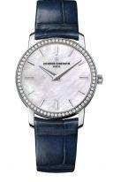 Женская классические часы Vacheron Constantin Traditionnelle-25558_000G_B157 в белом золоте с бриллиантовым рантом, перламутровый циферблат, синяя кожа кроко