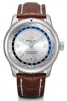 Спортивные часы Breitling Navitimer-AB3521U01G1P1 с функцией мирового времени и датой, серебристым циферблатом и коричневым ремешком кроко.