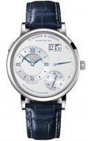 Мужские классические часы Lange Sohne Lange1 139 066 в корпусе из белого золота, большая дата, запас хода, фазы Луны, серебристый циферблат, кожа кроко.