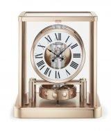 Настольные часы Jaeger Le Coultre Atmos 510 72 02 в корпусе с розовой позолотой, часы и минуты, белый лаковый циферблат с черными римскими цифрами.
