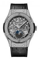 Мужские/женские часы Hublot Classic Fusion 547_NX_0170_LR_1704 с фазами Луны, годовым календарем в керамическом корпусе с бриллиантами, на скелетированном циферблате часовые метки и стрелки, черная кожа кроко.